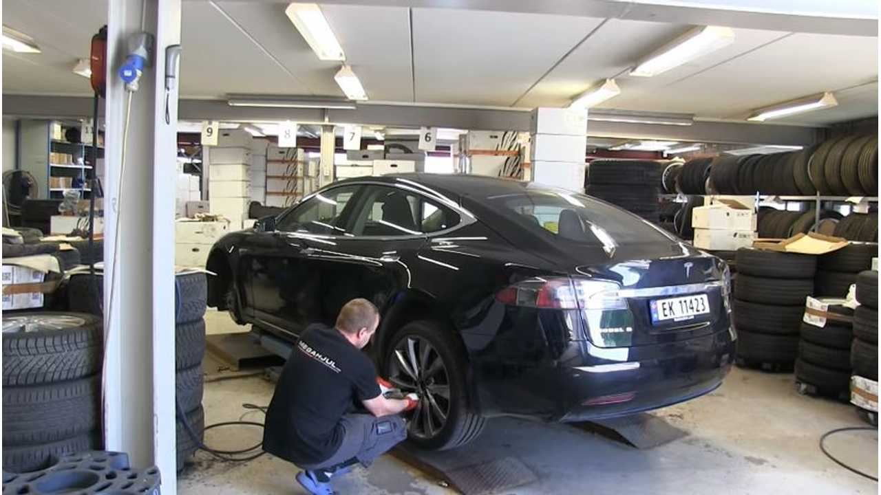 Watch This Tesla Model S Ultimate Tire Comparison Test