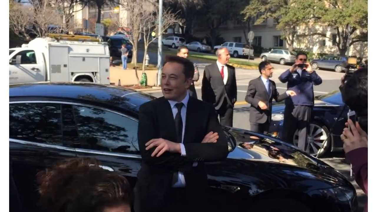 Elon Musk: In The Future There Will Be No Gas Stations - Video
