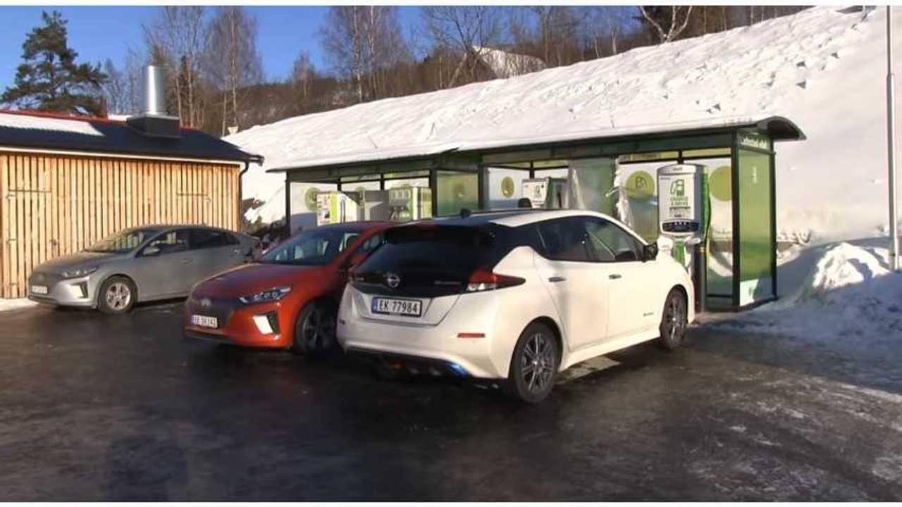 Watch Range Test - New Nissan LEAF Versus Hyundai IONIQ