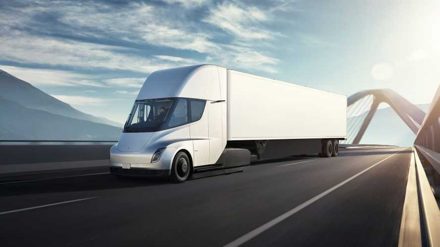 Tesla Semi Makes New Appearance
