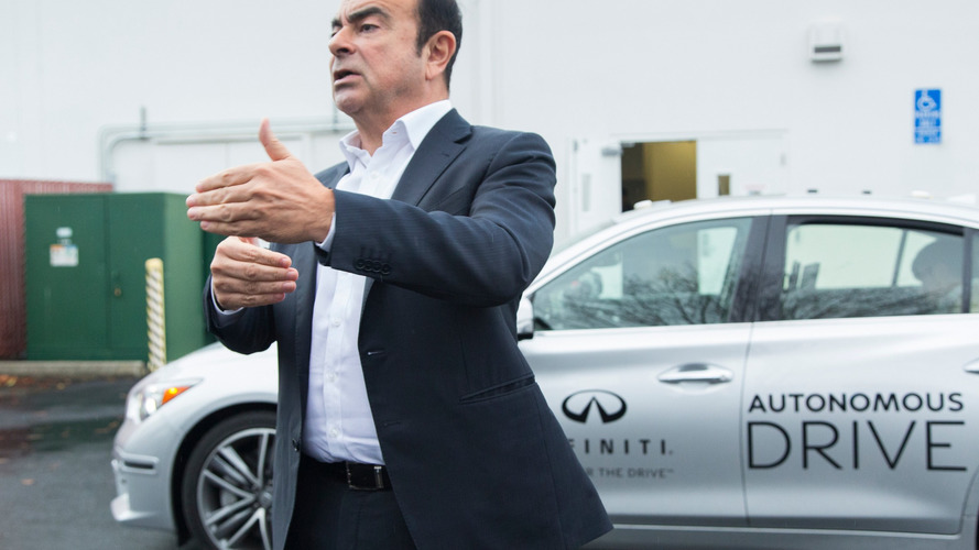 Carlos Ghosn conduit une Infiniti Q50 autonome