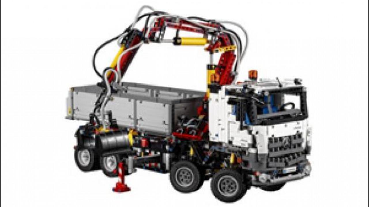 [Copertina] - Mercedes Arocs 3245, arriva la versione Lego Technics