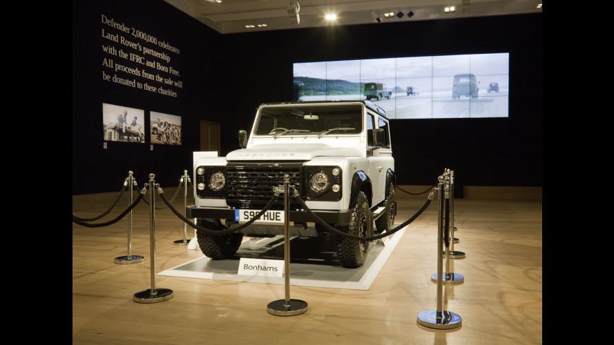 Land Rover Defender, 400.000 sterline per il duemilionesimo esemplare