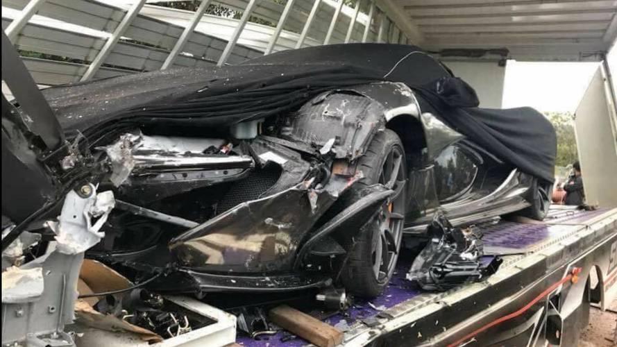 Szállítás közben törték össze egy McLaren P1 orrát