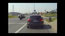 Polis Motosikleti Tekere Alırsa