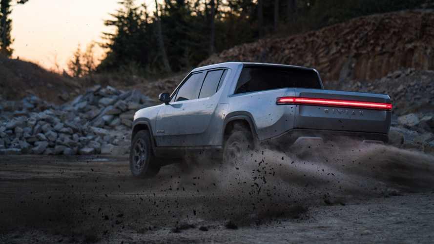 Elektrikli pick-up Rivian R1T'nin off-road videolarını izleyin