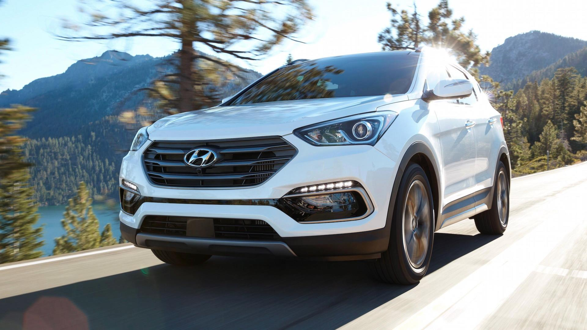 2018 Hyundai Santa Fe Sport >> Hyundai Santa Fe Sport News And Reviews Motor1 Com