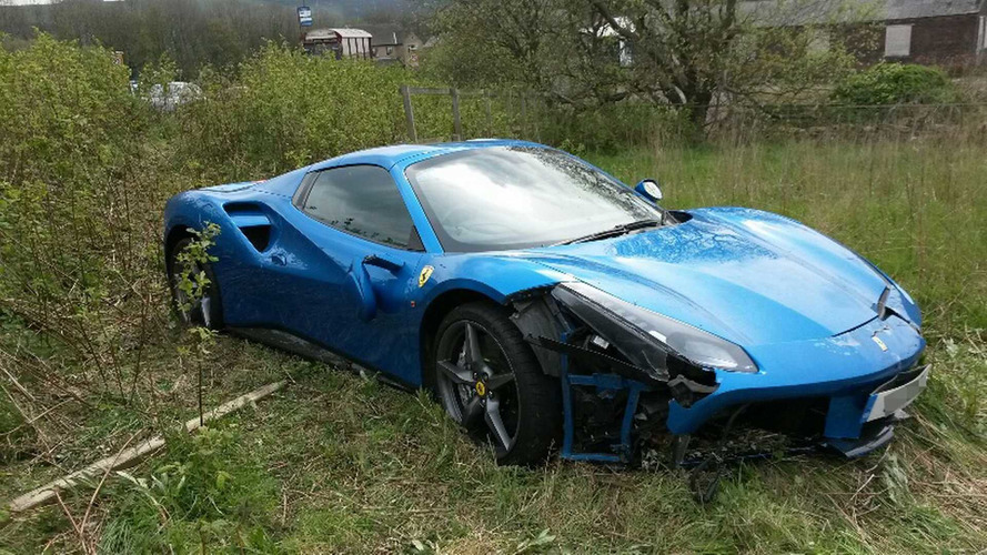 Ferrari 488 Spider crash