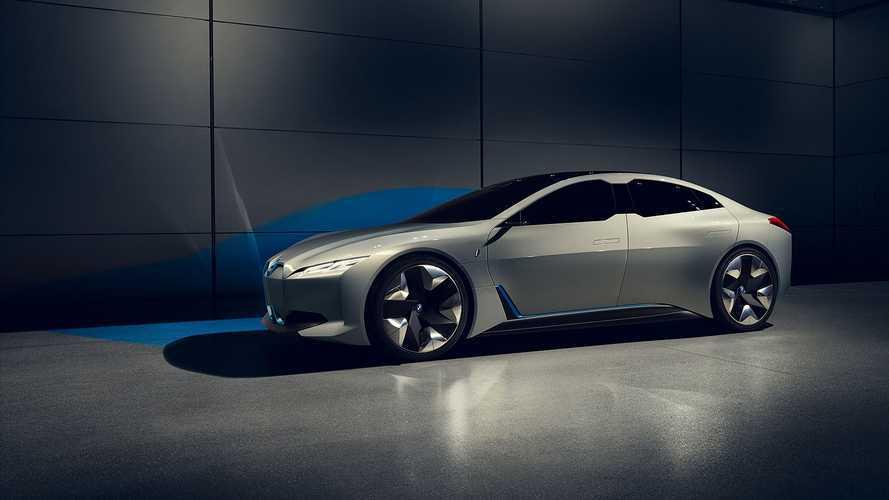 Мощность, динамика, запас хода: BMW раскрыла ключевые характеристики своих новых электромобилей