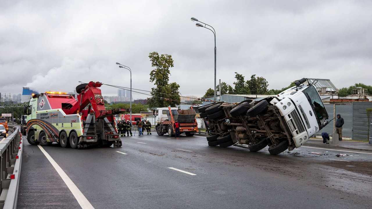 В России определят статус беспилотных грузовиков