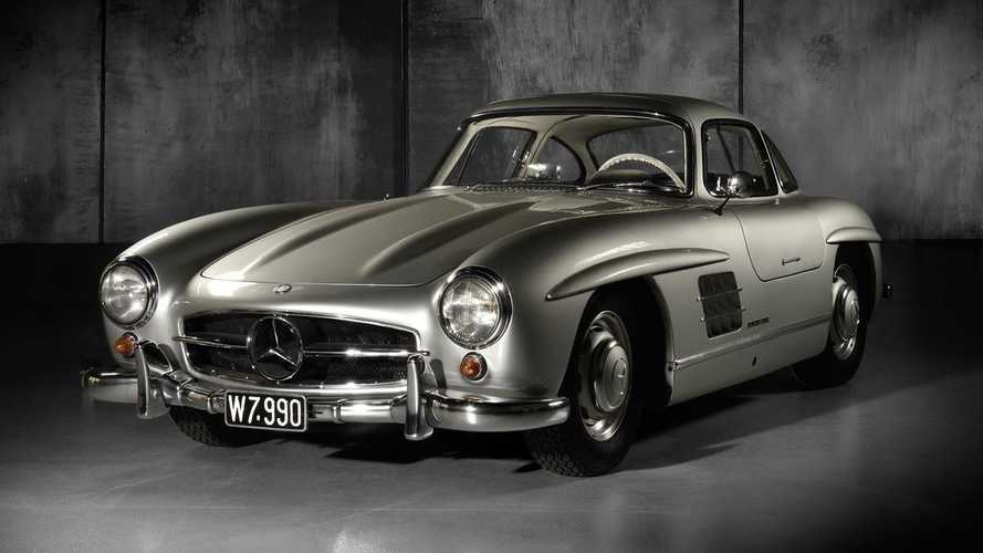 No reserve Mercedes-Benz 300SL Gullwing smashes estimate