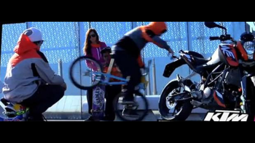 KTM Duke 125: il video del backstage