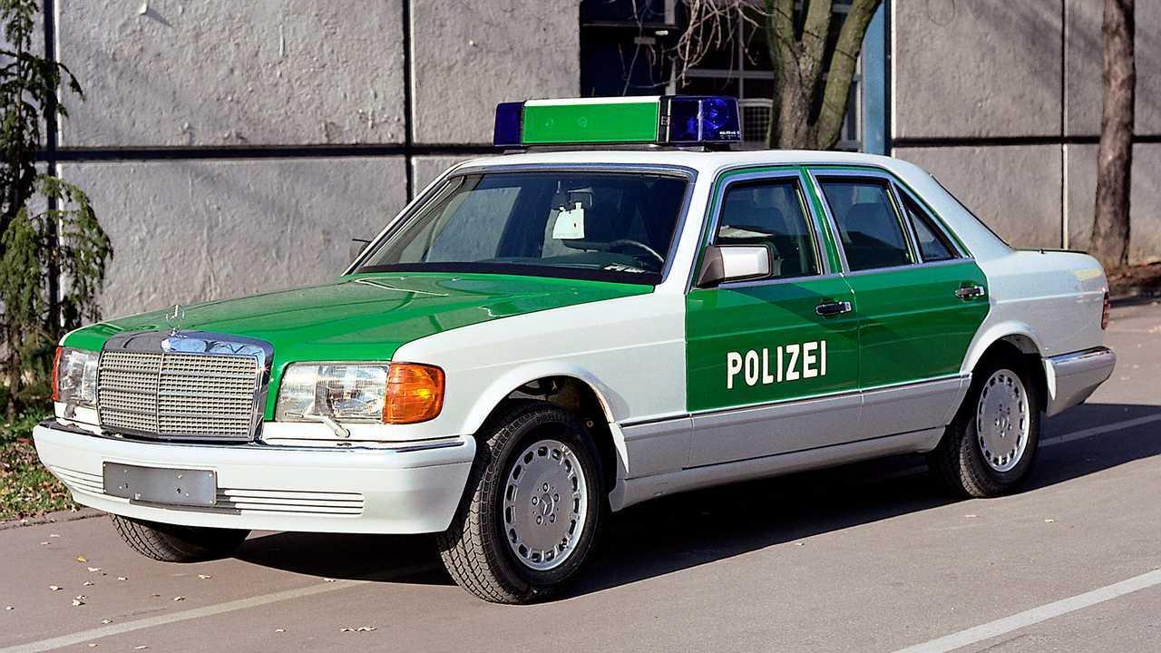 Polizeiautos in Deutschland: Mercedes S-Klasse (W 126)