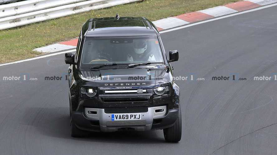 El Land Rover Defender con motor V8 ya rueda en Nürburgring