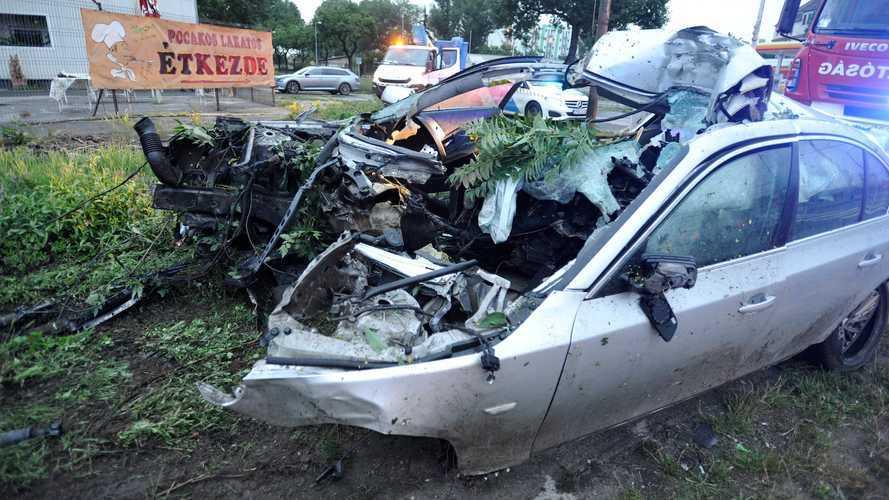 Óriási balesetet szenvedett egy BMW a IX. kerületben