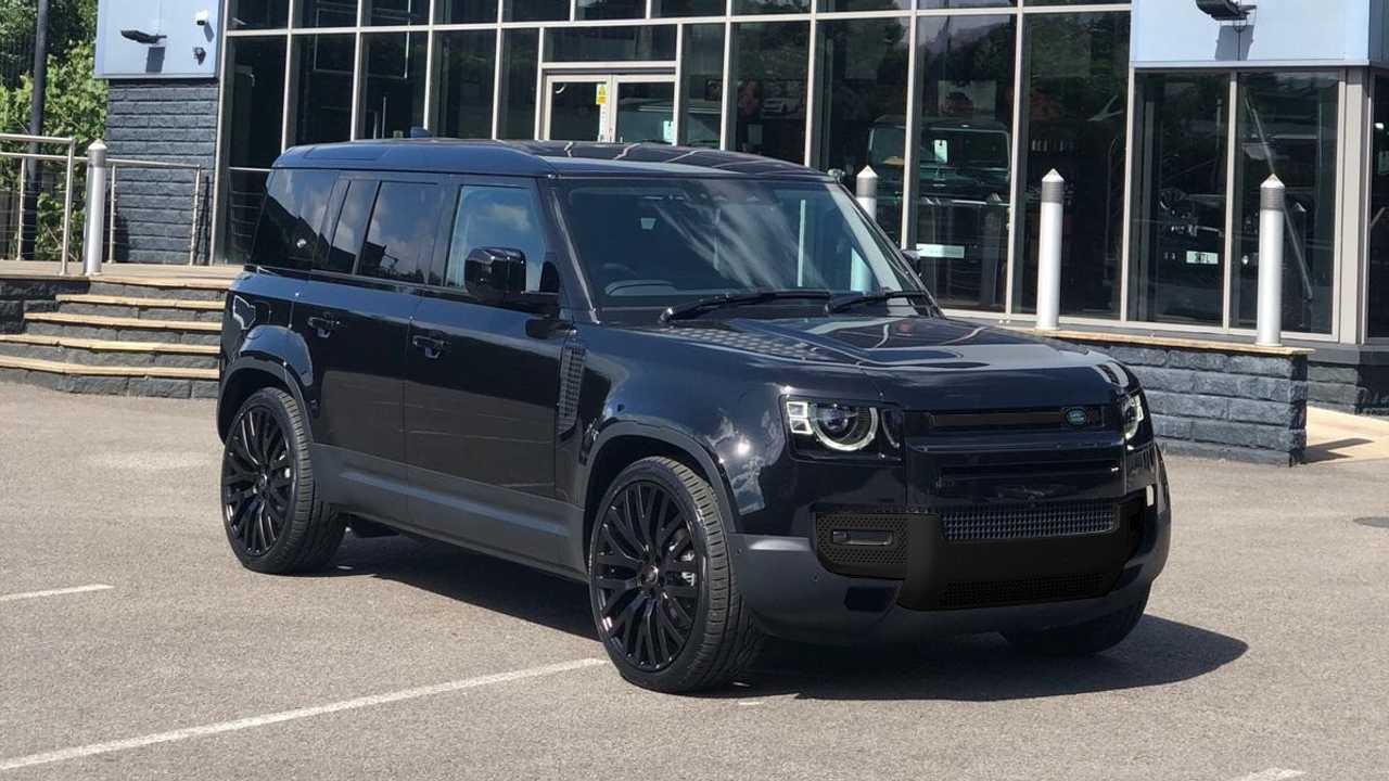Kahn Design Modifiyeli 2020 Land Rover Defender 110