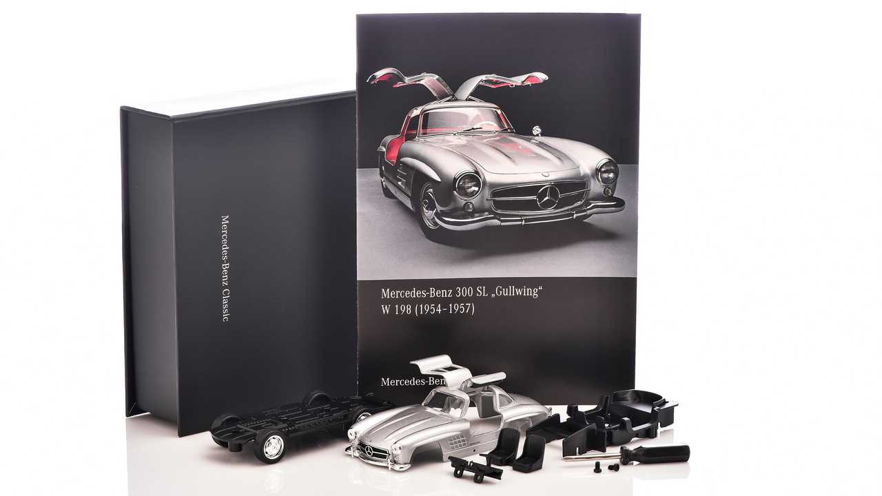 Modellino Mercedes 300 SL Gullwing in scala 1:38