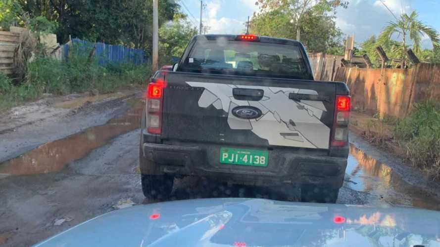 Flagra! Ford Ranger Raptor roda em testes no Brasil