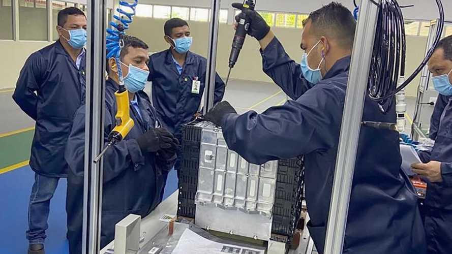 BYD inicia produção de baterias para veículos elétricos no Brasil