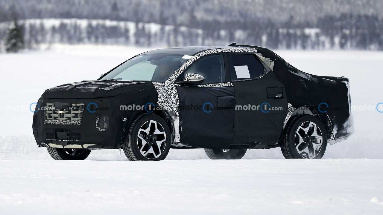 2022 Hyundai Santa Cruz spy photo