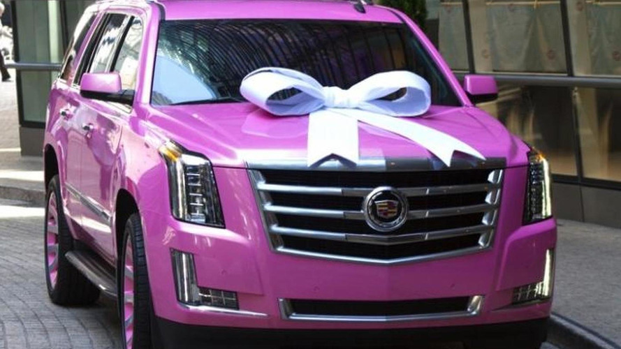 Football quarterback Teddy Bridgewater buys his mom a pink 2015 Cadillac Escalade