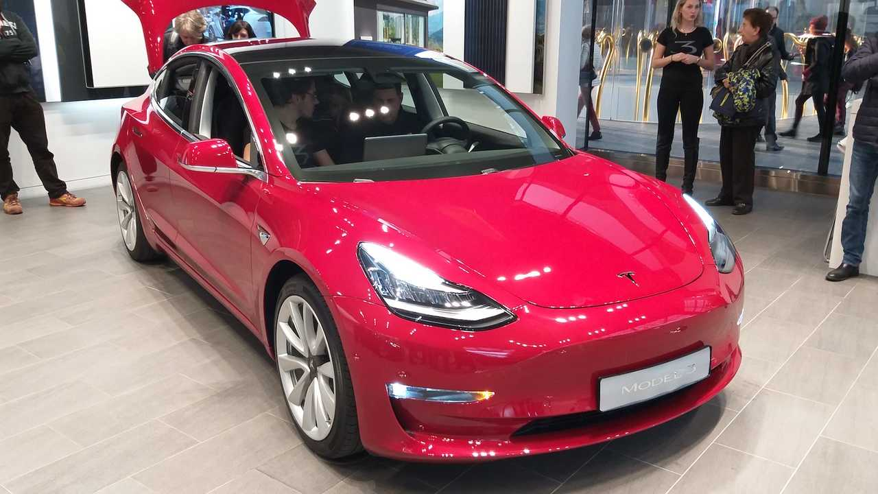 Tesla 3 copertina