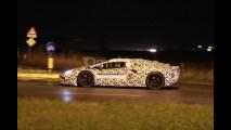 Foto spia della nuova Lamborghini V12