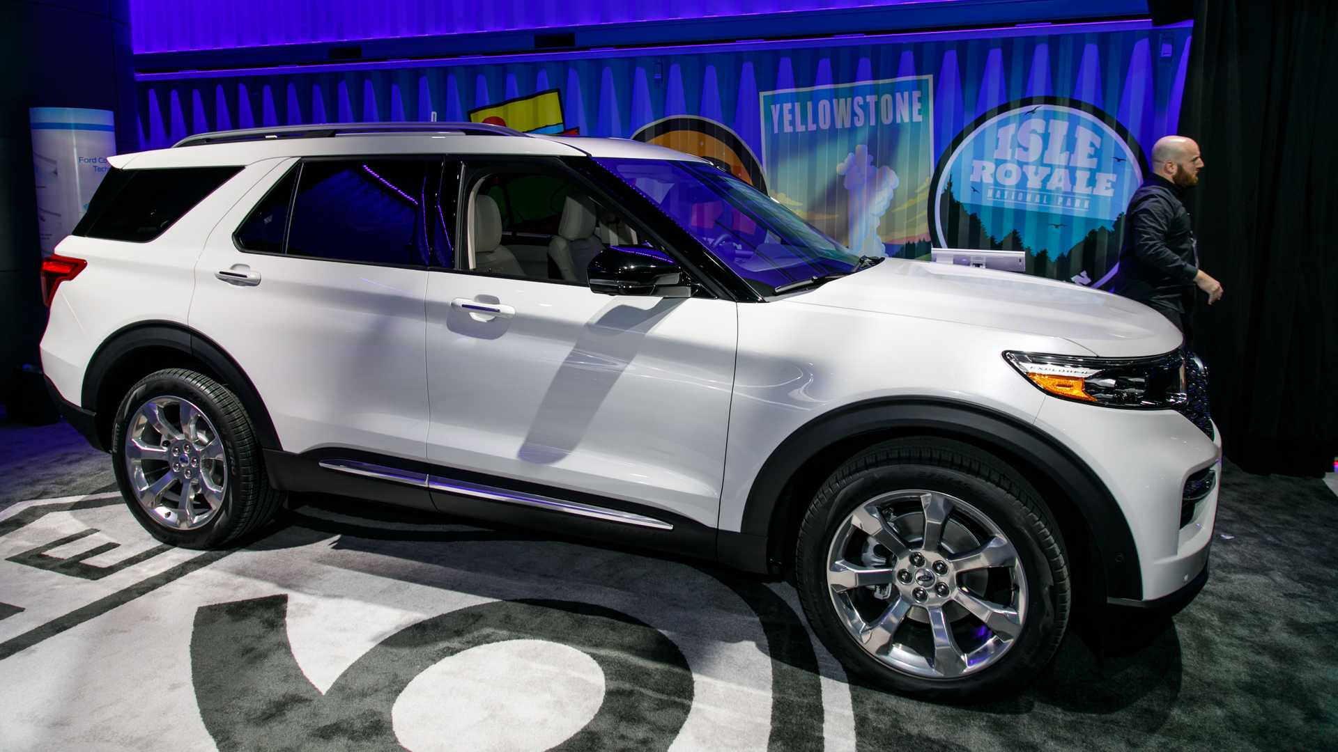 2020 Ford Explorer Debuts With New Rear Drive Platform Update