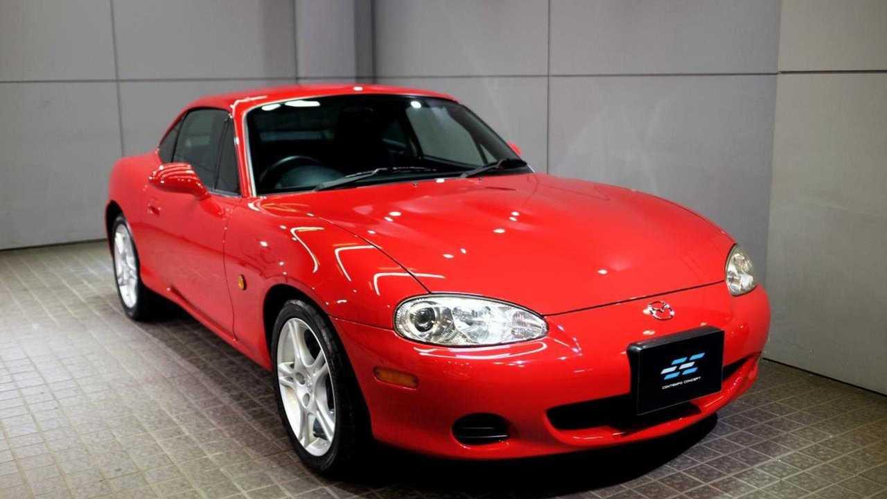 Coupe Gövdeli Bir Mazda MX-5
