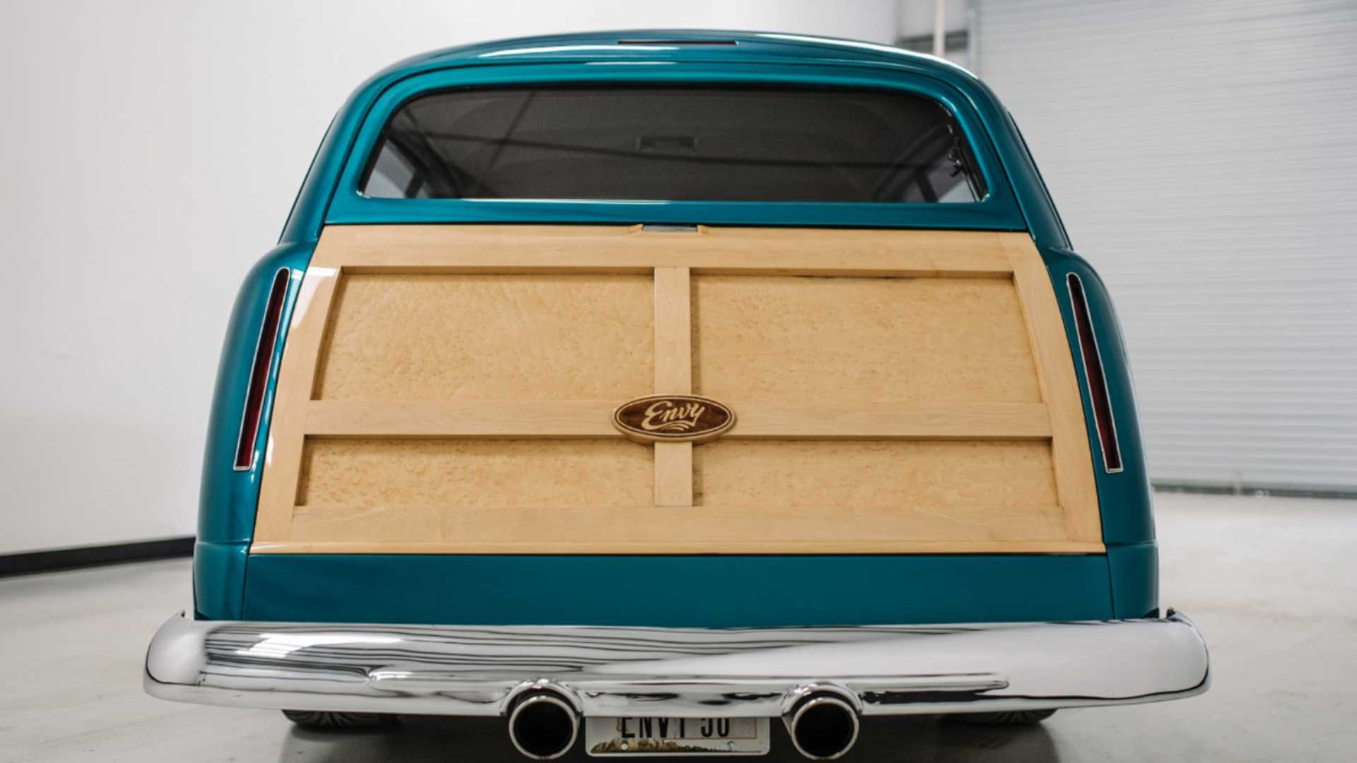 "[""Ford Envy Wood Wagon""]"