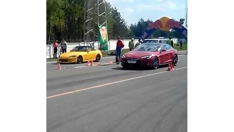 Tesla Model S Versus Honda S2000 - Video