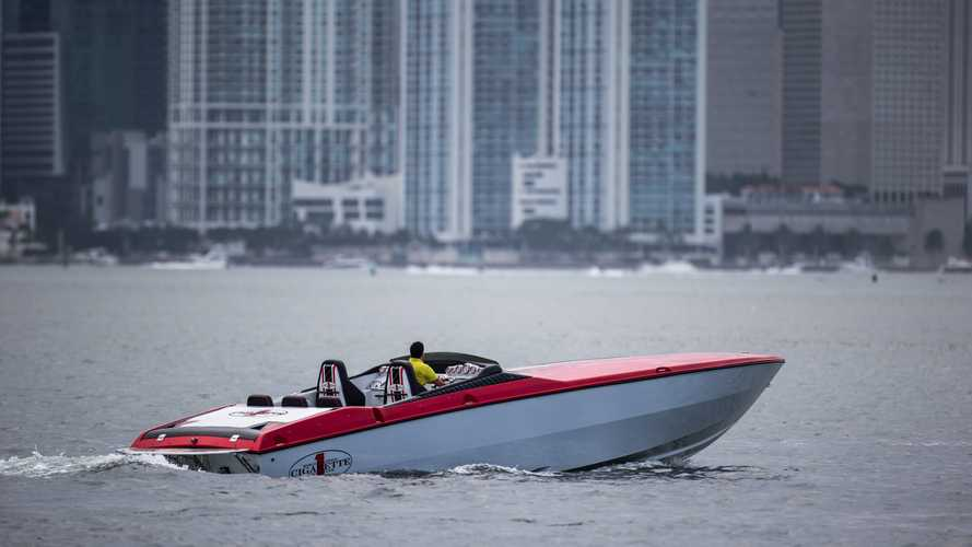 This Cigarette Racing Speedboat With 1,040 HP Could Be Yours