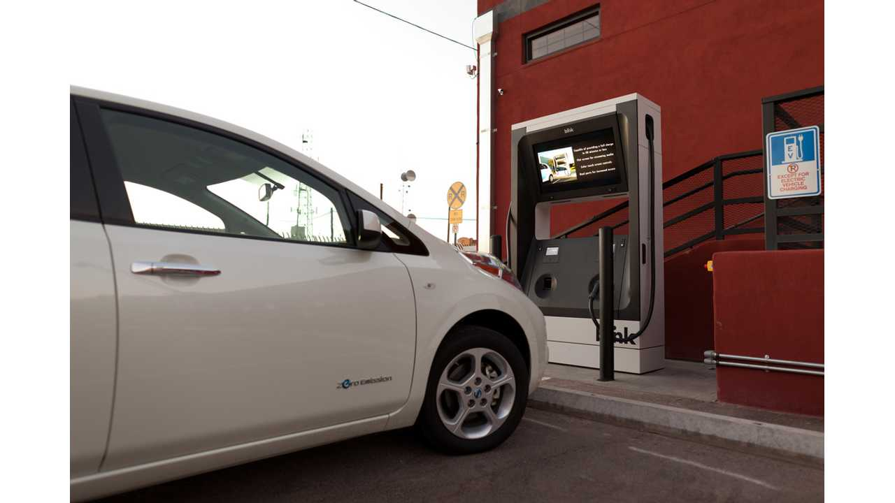 Nissan LEAF using ECOtality Blink DC fast charger