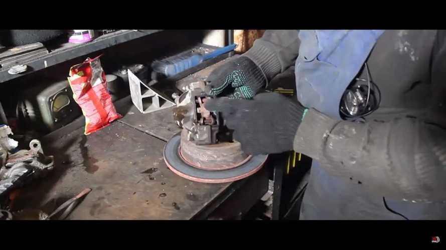 Freinage et accélération simultanée