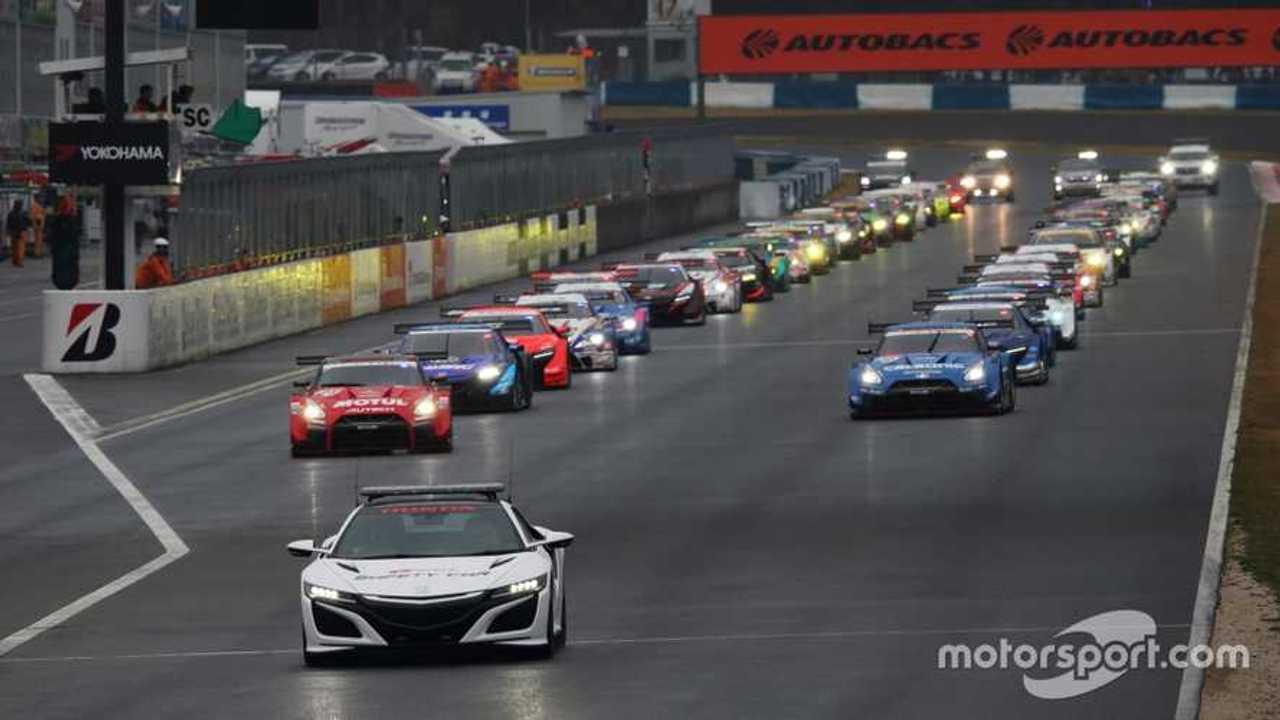 Super GT race start in Okayama 2019