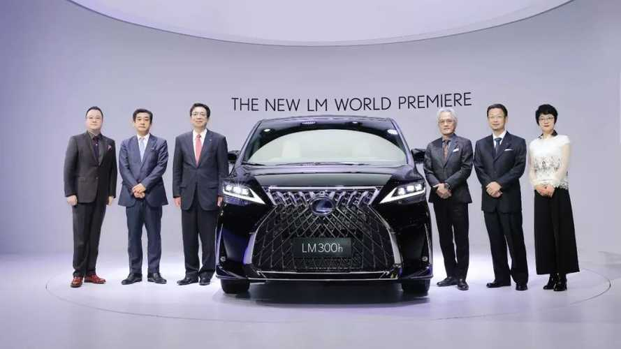 Lexus LM lüks ile minivan formülünü birleştiriyor