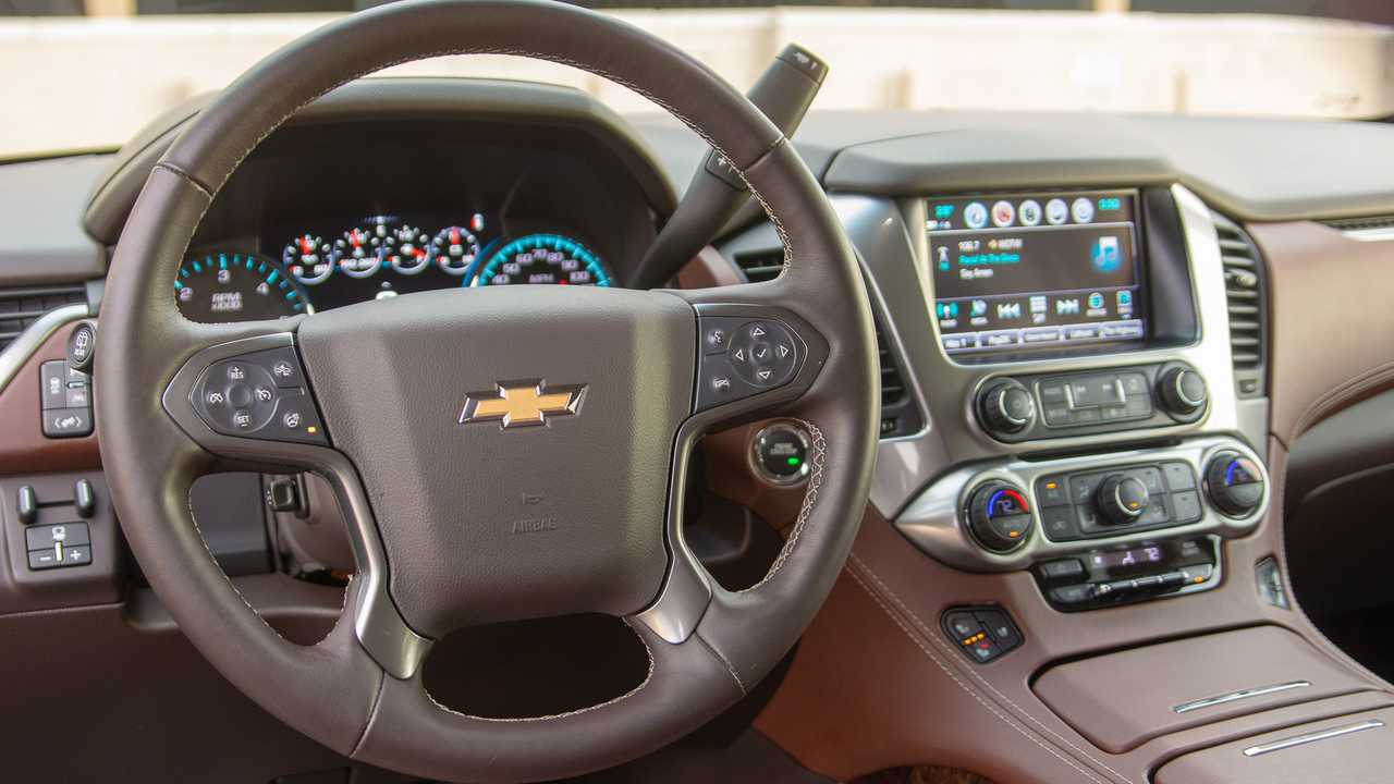2019 Chevrolet Suburban Rst Pros And Cons