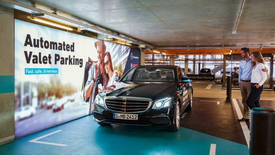Mercedes-Bosch, via libera alle auto che parcheggiano da sole
