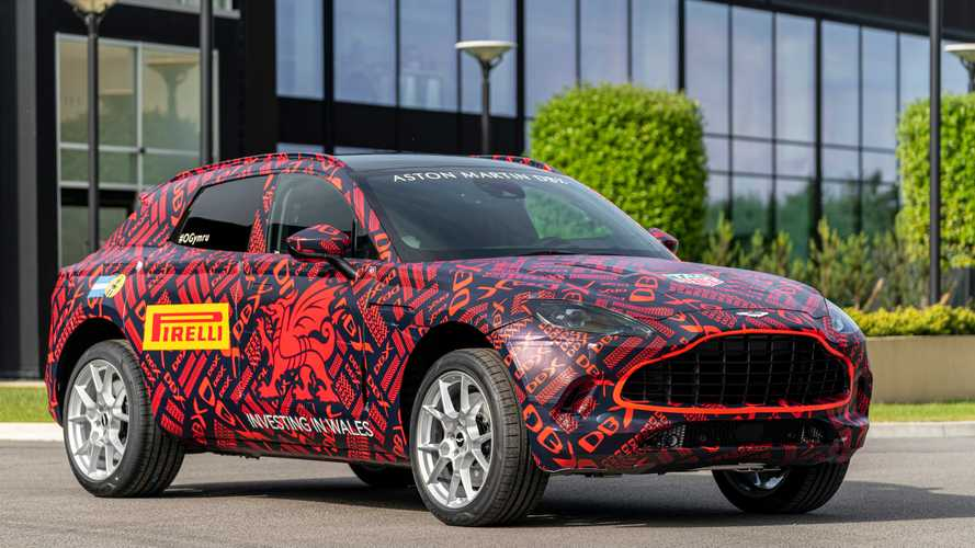 L'usine Aston Martin de St Athan produit ses premiers DBX