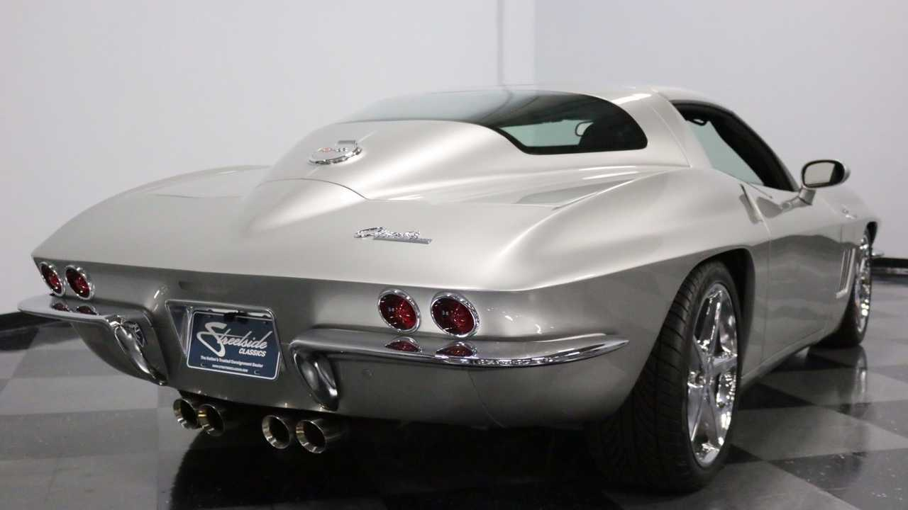 C6 Corvette Transformed With C2 Silhouette