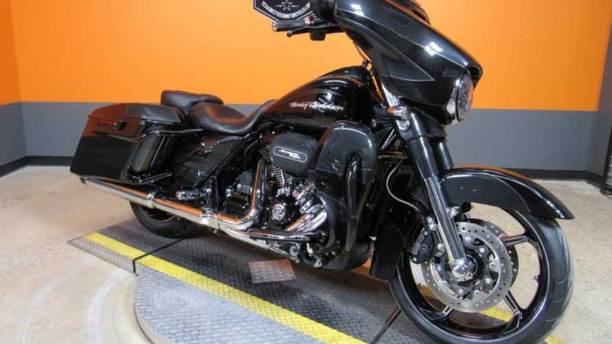 Hit The Open Road With This Harley-Davidson CVO Street Glide