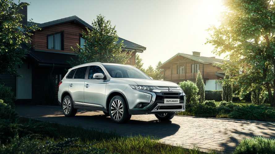 """Mitsubishi назвала рублевую стоимость семиместного """"Аутлендера"""""""