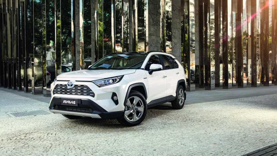 Toyota RAV4 2020 parte de R$ 194 mil com Android Auto e Apple CarPlay