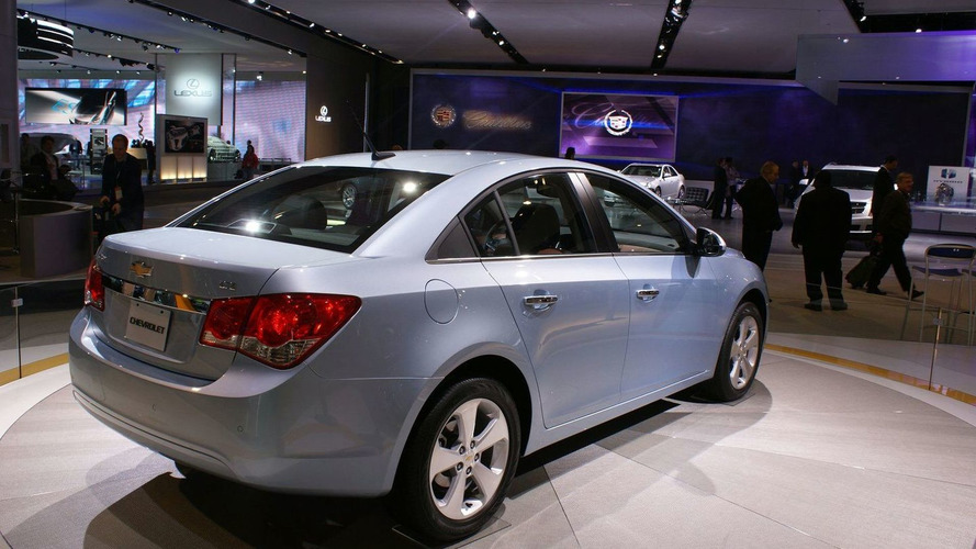 2011 Chevrolet Cruze U.S. Production Version Live in Detroit