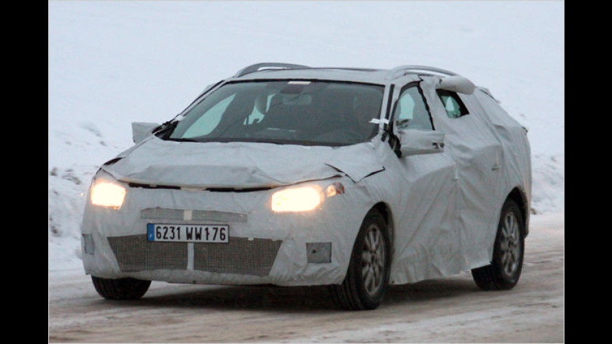 Renault Mégane Grandtour: Künftiger Kombi im Tarnkleid