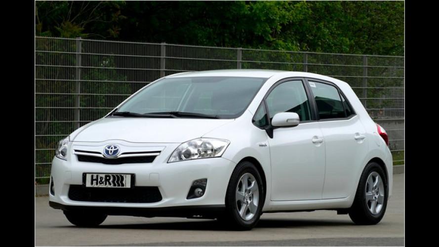 Agiler Sprit sparen: H&R senkt den Toyota Auris Hybrid ab