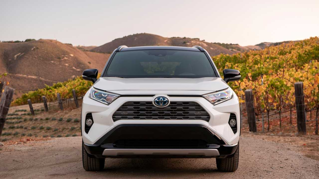 2019 Toyota RAV4 Hybrid First Drive: Electric Boogaloo
