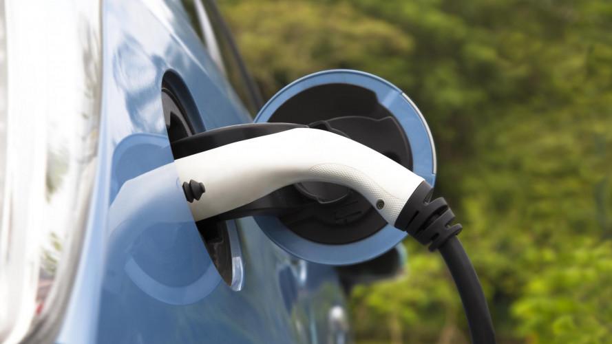 Incentivi auto elettrica, l'Italia ha due velocità