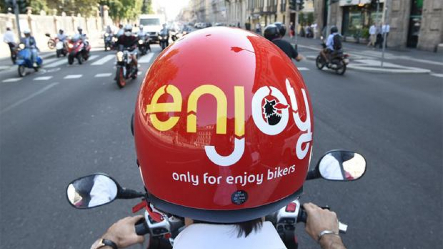 Enjoy con l'MP3: pro e contro dello scooter sharing - TEST