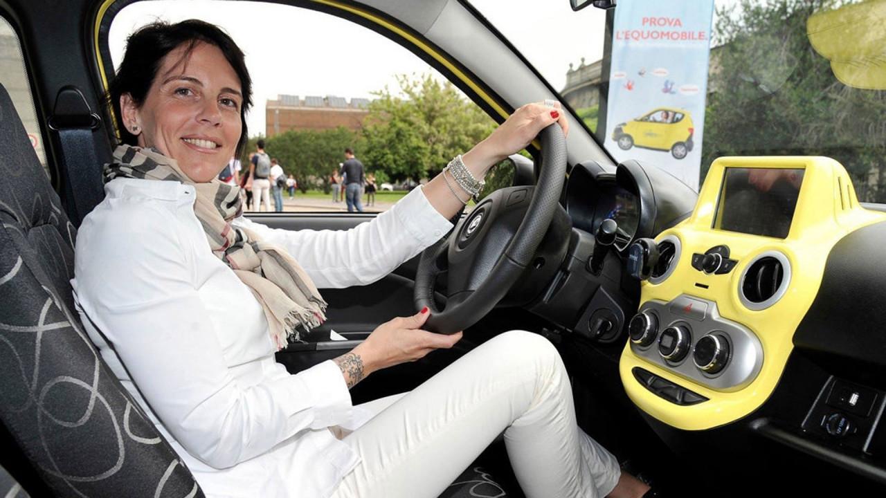 [Copertina] - Il car sharing elettrico come auto aziendale, la proposta di Sharen'go